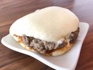 岩崎本舗の白バーガー