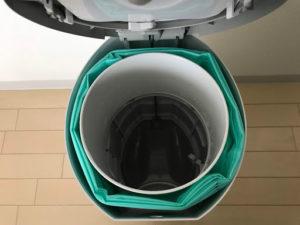 日本育児 Color Korbell おむつポット おむつ用ごみ箱 処理箱の内ブタ脇に取替えロールを取付け