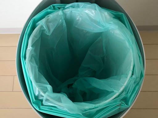 日本育児 Color Korbell おむつポット おむつ用ごみ箱 処理箱の内ぶたに取替えロールを取付け