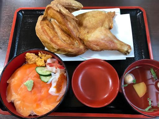 若鶏時代なると本店の若鶏・海鮮丼セット