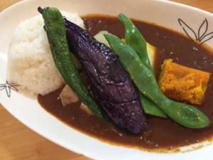 ファームレストランあぜ道より道の野菜カレー