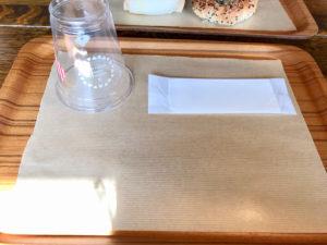 ハートブレッドアンティーク(HEART BREAD ANTIQUE)札幌南郷通店のパン食べ放題用のトレイ