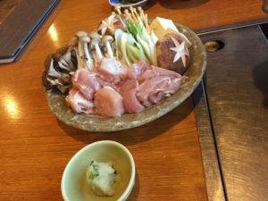 定山渓第一寶亭留翠山亭の伊達鶏とたっぷりきのこの鶏塩鍋(舞茸、ブラウン榎、しめじ、椎茸、白菜、豆腐、水菜)
