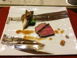 あかん鶴雅別荘鄙の座の夕食の富良野牛