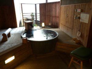 あかん鶴雅別荘鄙の座の客室露天風呂