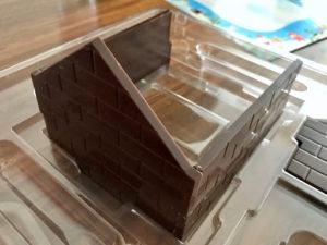 ロイズ(ROYCE')チョコレートの家の作成途中