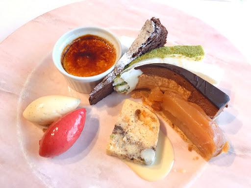ル・ジャンティオム(Le Gentilhomme)の9種類のデザート