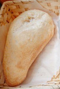未来カレーこりすのランチセットのパン
