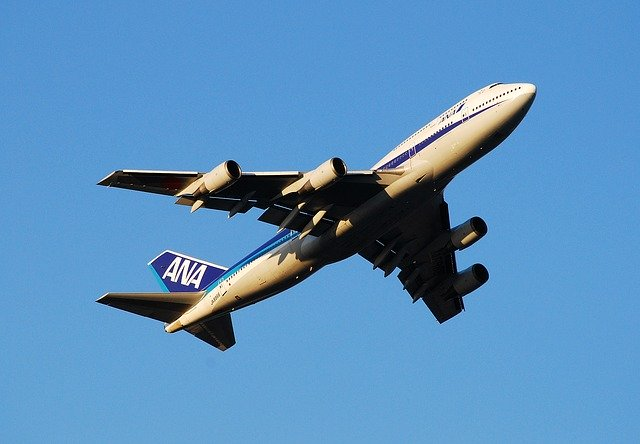 JALやANAの機内無料Wi-Fiは繋がらない?遅い?機内での暇つぶしや過ごし方を解説!