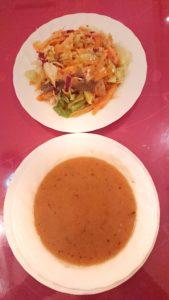 トルコ料理サライ赤坂店のランチメニューのスープとサラダ