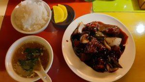 中華バル SABUROKU360の黒酢豚定食
