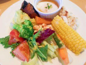 ニセコ髙橋牧場レストランプラティーヴォの野菜ビュッフェ